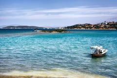 Peschereccio sul mar Egeo in Ildir Turchia Immagini Stock Libere da Diritti