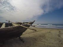 Peschereccio sulla spiaggia Fotografia Stock