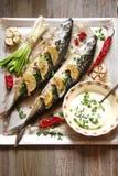 Peschi al forno con calce, peperoni e le spezie Fotografia Stock