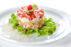 Peschi l'insalata con il caviale, i pomodori e la lattuga Immagine Stock Libera da Diritti
