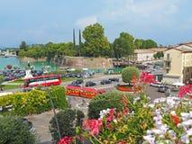 Peschiera Del Garda, Włochy Deptak i widoki Garda jezioro i wioska Ja ` s jeden sławny Włoski kurort zdjęcie stock