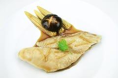 Pesci cotti a vapore con la salsa di soia Immagine Stock