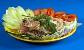 Pesci e verdure cotti Fotografie Stock