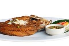 Pesci fritti con la salsa di pesci Fotografia Stock