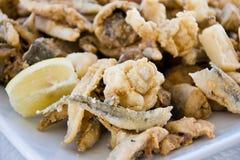 Pesci fritti Mixed immagini stock