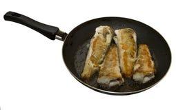 Pesci fritti in una vaschetta di frittura Fotografia Stock Libera da Diritti