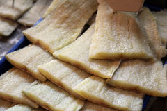 Pesci secchi sul mercato dell'alimento Fotografie Stock Libere da Diritti