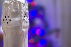 Pescoço arrolhado de uma garrafa do close-up do champanhe fotos de stock royalty free