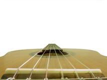Pescoço da guitarra acústica com as cordas isoladas no branco foto de stock