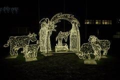 Pesebre de la Navidad de la cadena de iluminación foto de archivo libre de regalías