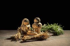 Pesebre de la Navidad Figuras del bebé Jesús, de la Virgen María y de St José Fotografía de archivo