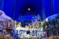 Pesebre grande y colorido de la Navidad Fotografía de archivo