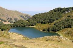 Pesica湖黑山 库存照片