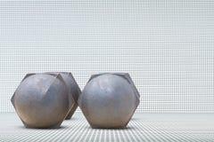 Pesos velhos na opinião lateral de alumínio do assoalho e do fundo da textura Fotografia de Stock Royalty Free