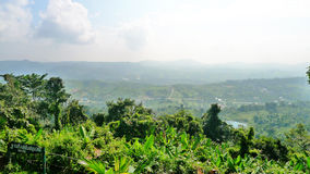 Pespective de la mirada abajo de la montaña Fotografía de archivo libre de regalías