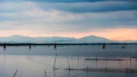 Pesque a exploração agrícola da capoeira no lago Songkhla, Tailândia Fotos de Stock