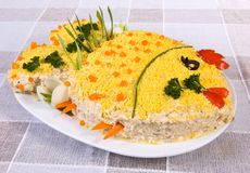 Pesque a salada na forma de um peixe Fotografia de Stock