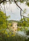 Pesquera połów buduje Banyoles jezioro Fotografia Royalty Free