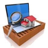 Pesquisa por Real Estate em linha Fotografia de Stock Royalty Free
