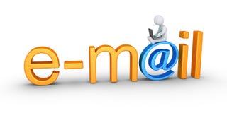 Pessoa com palavra do portátil e do email Fotografia de Stock