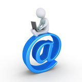 Pessoa com portátil e email Fotos de Stock