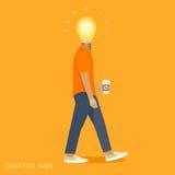 Pessoa criativa com uma cabeça da ampola Fotografia de Stock Royalty Free