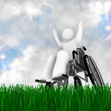 Pessoa da cadeira de rodas que aprecia ao ar livre Imagem de Stock