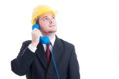 Pessoa de contato, auxílio das vendas ou apoio para os comp(s) dos bens imobiliários Fotografia de Stock Royalty Free
