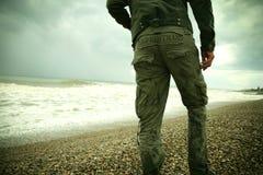A pessoa e o mar Fotografia de Stock Royalty Free