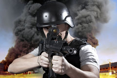 Pessoa, explosão em uma indústria Fotos de Stock Royalty Free