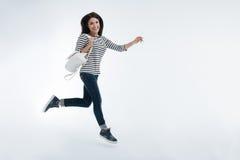 Pessoa fêmea alegre que expressa a positividade Fotografia de Stock
