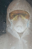 Pessoa na máscara de gás Foto de Stock Royalty Free