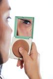 Pestaña del cepillo de la mujer fotografía de archivo libre de regalías