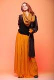 Pestañas frescas de la muchacha de la mujer de la moda del otoño Foto de archivo libre de regalías