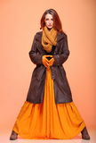 Pestañas frescas de la muchacha de la mujer de la moda del otoño Imágenes de archivo libres de regalías