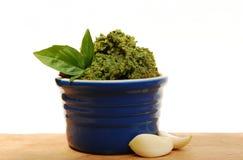 Pesto con ajo y albahaca Foto de archivo libre de regalías