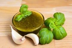 Pesto de basilic Photos stock