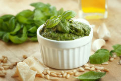 Pesto en ingrediënten Royalty-vrije Stock Fotografie