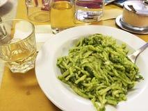 Pesto en las pastas del trofie Foto de archivo libre de regalías
