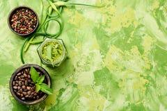 Pesto - italienische Küchesoße Lizenzfreies Stockbild
