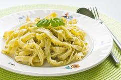 Pesto pasta Fotografering för Bildbyråer