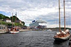 PetÅ™ÃÄ ek 2 PÅ™Ãstav a N   729 fartyg för zev för 76,7% ná som förtöjas i eftermiddagen i den Oslo hamnen Royaltyfri Bild