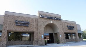 Pet Health Center. In Collierville, Tennessee offers dog and cat food, treats, pet grooming, aquariums and general health care advice stock image