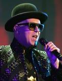 Pet Shop Boys executa no concerto imagem de stock