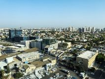 PETACH TIKVA, ΙΣΡΑΉΛ - 17 ΑΠΡΙΛΊΟΥ 2018: Τοπ άποψη της βιομηχανικής ζώνης σε Petach Tikva στο Ισραήλ Στοκ Εικόνα