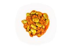 Petai di tumis di sambal, un piatto tradizionale popolare in Malesia e l'Indonesia Fotografie Stock