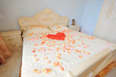 Petal Heart on Bed Stock Photography