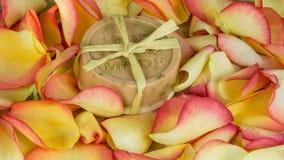 Petali di Rosa in molti colori - fatti a mano Fotografie Stock