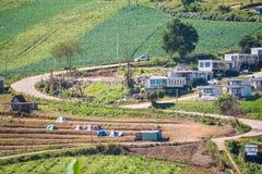 Petchabun, am 29. November 2016:: Straßenkurve auf Phu-Wanne Berk-Berg Lizenzfreies Stockfoto