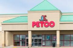 Petco动物供应得零售 免版税库存照片